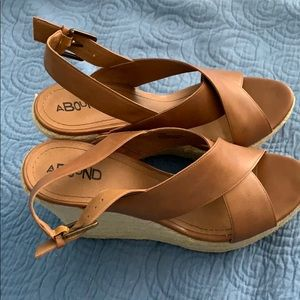 Abound platform wedges